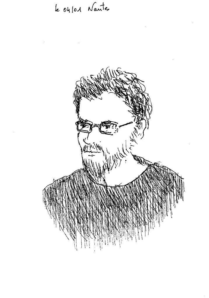 un barbu à lunettes